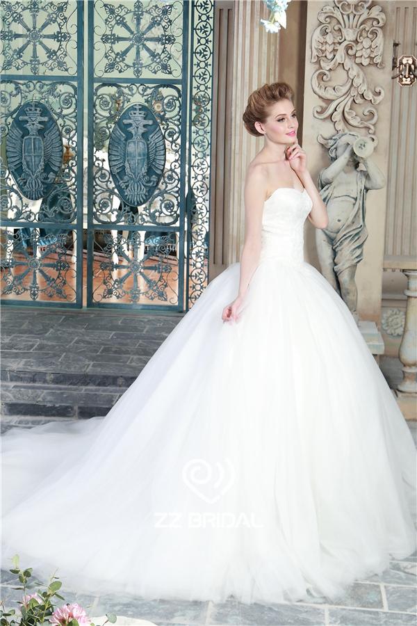 princess wedding gown, sweetheart neckline wedding gown, tulle ...