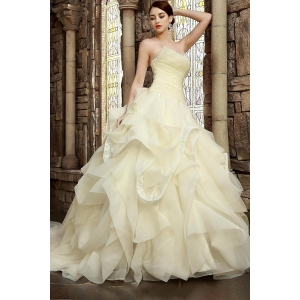 Graceful Ball Gown Hand-made Ruching Ruffled Wedding Dress