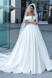 Chiny Elegant Deep V Neck Simple Real Image Long Train Wedding Dresses Ruffled Satin Bridal Gowns 2019 fabrycznie