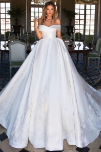 Chine Elegant De Luxe Long Train Hors De L'epaule Perlee Dentelle Real Image Robes De Mariée Italien Satin Robes De Mariée 2019 usine