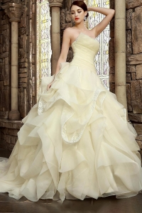 China Graceful Ball Gown Hand-made Ruching Ruffled Wedding Dress factory