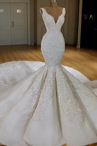 China Latest Design Luxury Lace Mermaid Sexy Long Train Vestido De Novia V neck wedding dress bridal gown 2019 factory