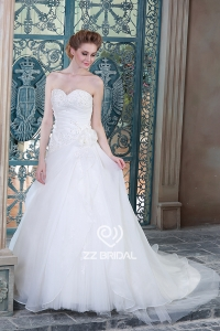 China Private custom made beaded ruffled organza wedding dress with handmade flower factory