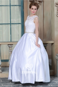 China Scoop neckline sleeveless guipure lace V-neck white wedding dress with petticoat factory