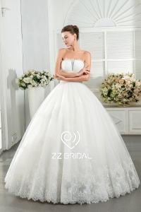 China ZZ bridal 2017 strapless ruffled lace appliqued ball gown wedding dress factory